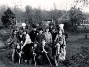 Heinrich Sternberg im Stadtpark mit Schülern um 1976